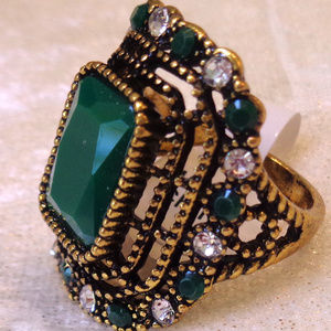 HIGH QUALITY VINTAGE HAND CRAFTED RING SIZE 7